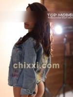 Tatjana, 20 Jahre alt mit braunen Haaren und BH 75 C - Kategorie: Callgirls und Escort aus Hamburg (Top Model Escort)