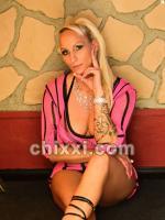 SM Lady Champagne, 44 Jahre alt mit blonden Haaren und BH 75 C - Kategorie: private Nutten und Hobbyhuren aus Münster
