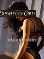 Rebecca, 21 Jahre alt mit schwarzen Haaren - Kategorie: Callgirls und Escort aus Düsseldorf (Düsseldorf Girls)