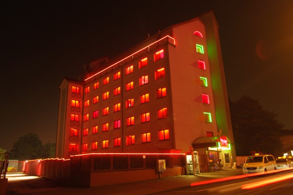 Bordell/Laufhaus - Eros Center Köln aus Köln | Chixxi.com